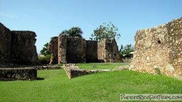 Antonio Gates >> Ermita San Antonio de Padua de la Tuna in Isabela | Puerto