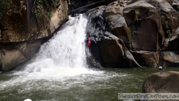 Canyoning in Rio Icacos