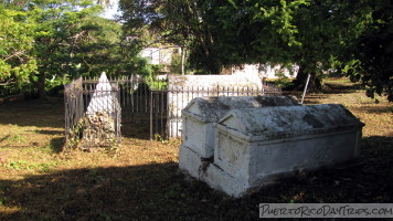 Tombs in Vieques
