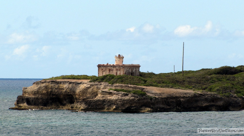 Puerto Ferro Lighthouse
